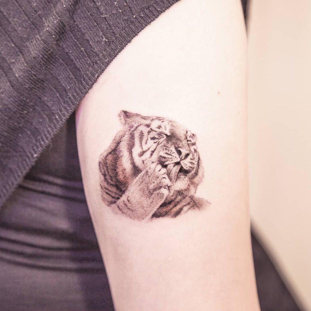 Tiger tattoo by arona_tattoo
