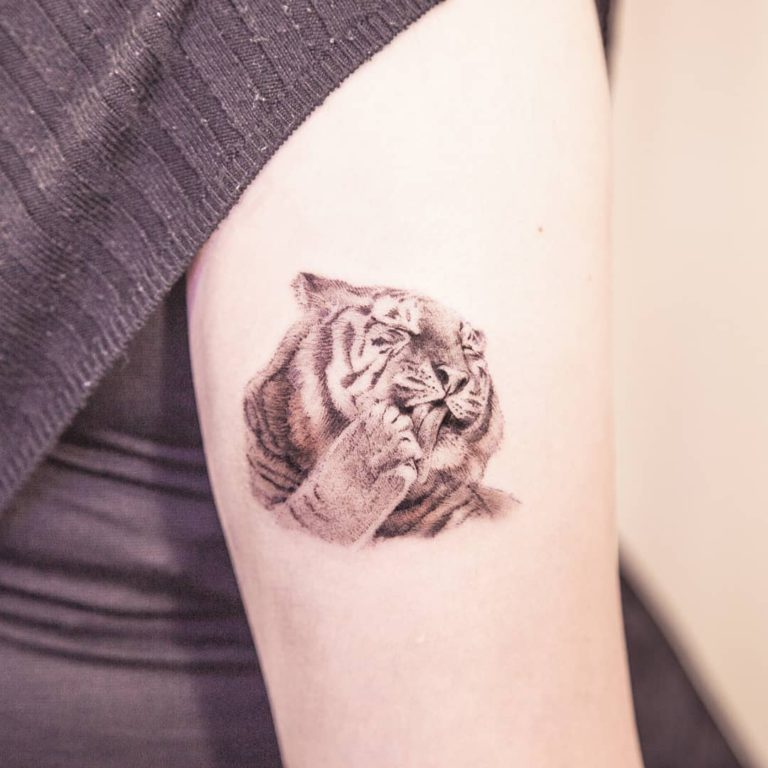 Animal Tiger tattoo - Realism style by arona_tattoo