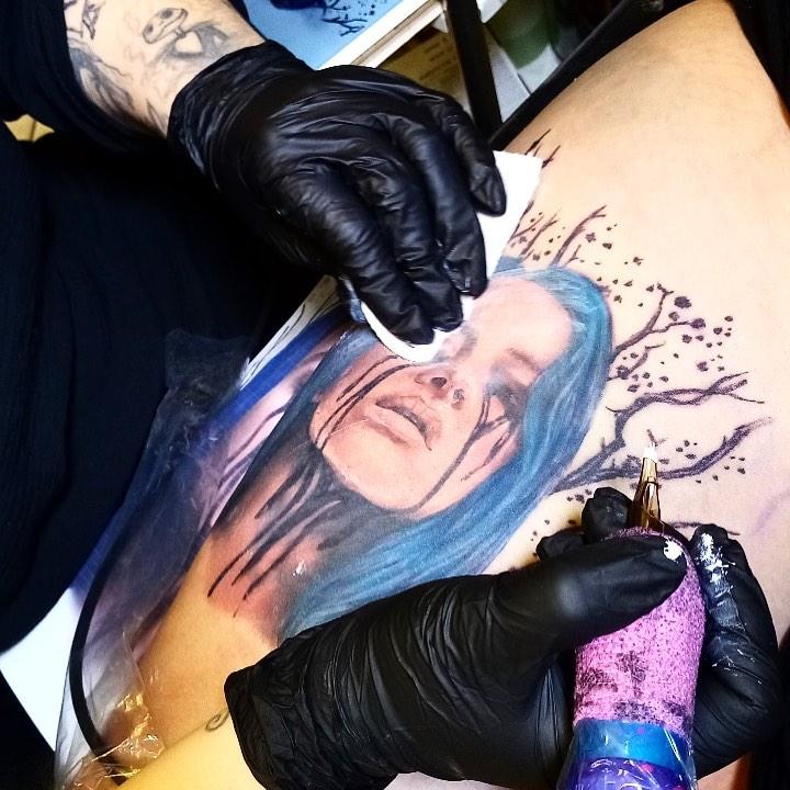 Billie Eilish portrait tattoo  - Color style by Desirèe Mel Lady Maryon