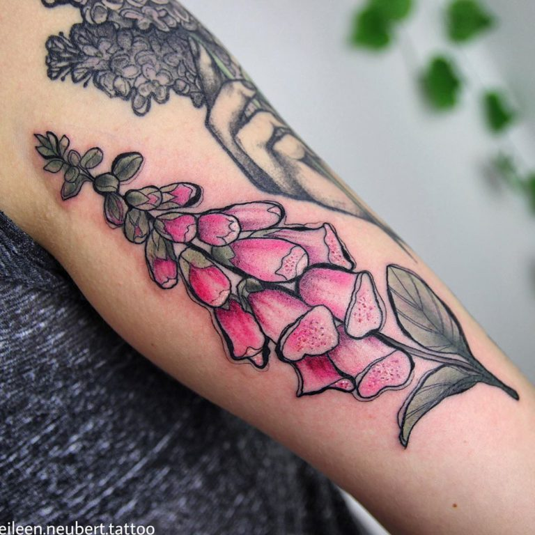 Foxglove tattoo by Eileen Neubert