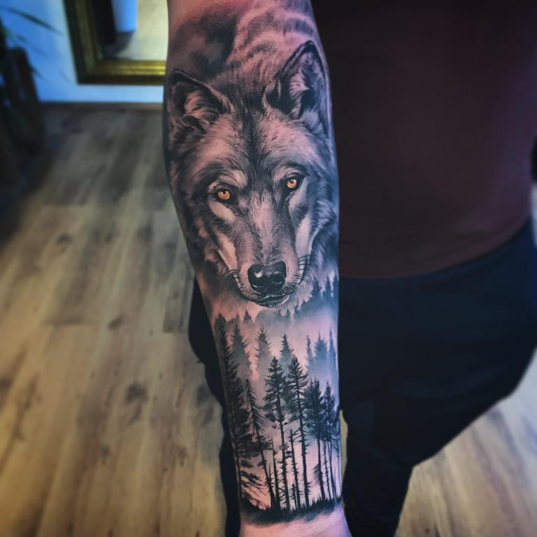 Wolf & Forest tattoo on Forearm (inner) - style by Eddy Zabor