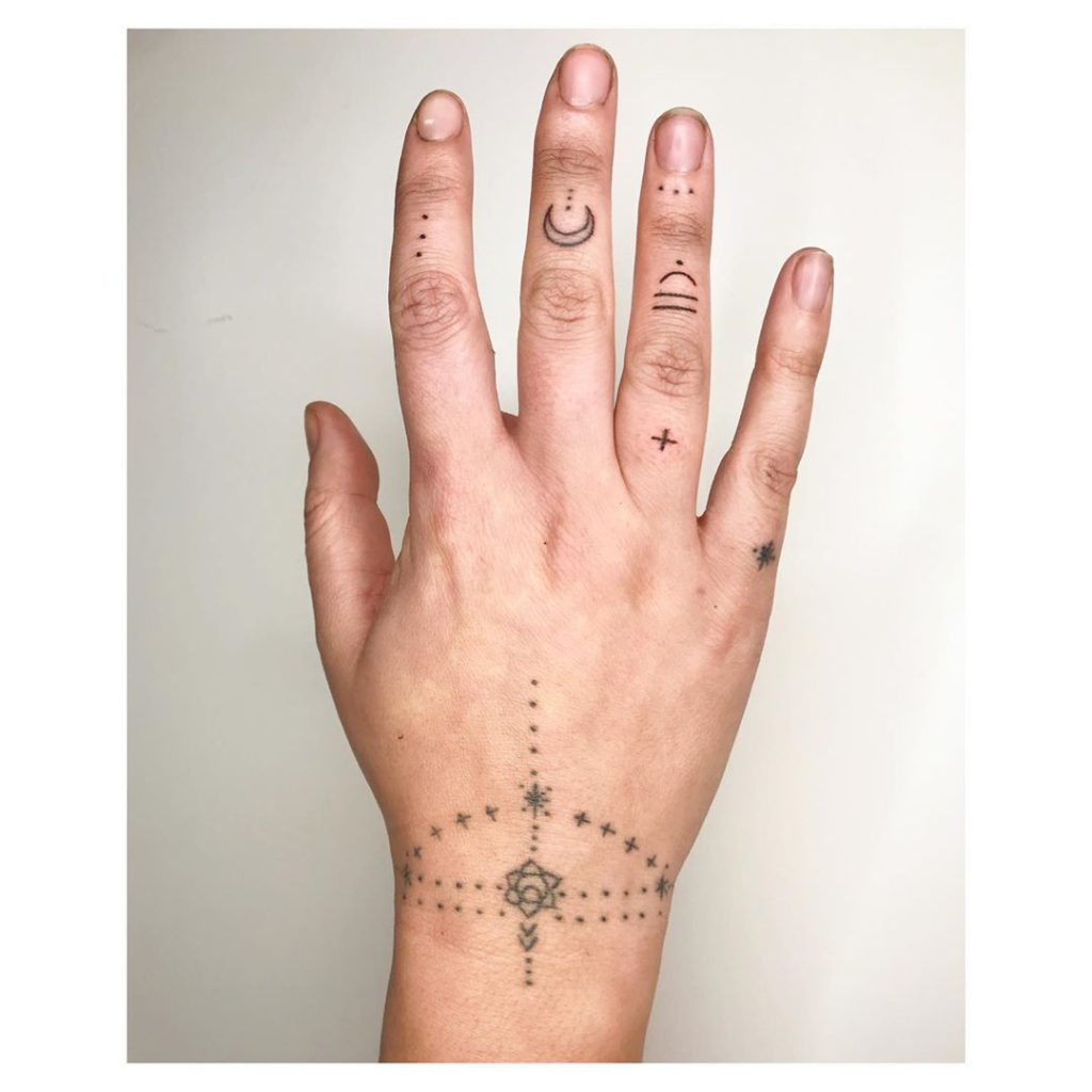 Tattoo on Finger by Suzie